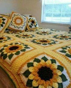 Sublime Crochet for Absolute Beginners Ideas. Exceptional Crochet for Absolute Beginners Ideas. Crochet Flower Patterns, Crochet Designs, Crochet Flowers, Easy Knitting Projects, Crochet Projects, Motifs Granny Square, Crochet Sunflower, Sunflower Crafts, Sunflower Pattern
