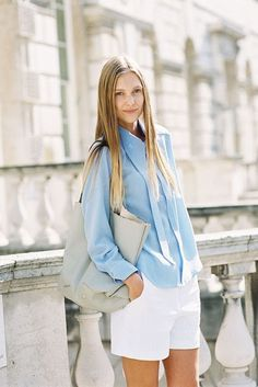 Nothing says like a button down denim blouse and white shorts. Love her silky, straight hair too! Spring Fashion Trends, Spring Summer Fashion, Vogue, Street Chic, Fashion Outfits, Womens Fashion, Timeless Fashion, Style Me, Casual