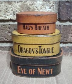 How fabulous are these!  Prim Style Halloween Shaker Boxes of Hag's Breath, Dragon's Tongue, Eye of Newt  ~ from eBay