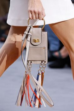 Vogue rounds up the best designer bags, handbags and purses from the Spring/Summer 2016 fashion shows. See the full edit here Fashion Handbags, Fashion Bags, My Bags, Purses And Bags, Leather Accessories, Fashion Accessories, Crea Cuir, Accessoires Photo, Best Designer Bags