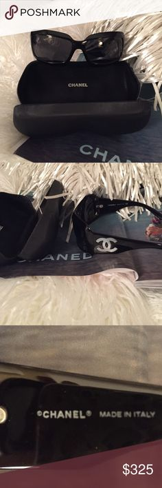 Authentic Chanel Mother of Pearl Sunglasses Black/Gray lens. 5076H 501/87 . Comes with Case and cloth.  These are Genuine Iconic Rare Chanel Sunglasses. In excellent condition, like new. No scratches anywhere. CHANEL Accessories Sunglasses