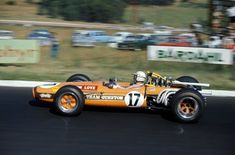 Jackie Stewart in the interim based Matra at the 1968 South African GP. Intended only as a test hack Stewart qualified the third and actually lead briefly before dropping out with an engine failure. F1 Racing, Road Racing, Motor Ford, F1 Motor, Alpine Renault, Matra, Jackie Stewart, Classic Race Cars, One Championship