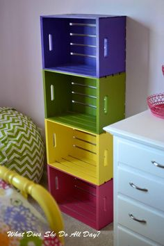 Colorful Wood Crate Bookcase Informations About 19 Awesome Things You Can Make From Old Crates Pin Y Cloth Diaper Storage, Cloth Diaper Organization, Cloth Diapers, Crate Bookcase, Diy Rangement, Old Crates, Crate Storage, Storage Ideas, Book Storage Kids