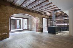 2 Bedroom Loft for rent Terrace Raval