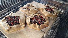 Puistolan bistro: Kantarelli-savupekoni-galette Camembert Cheese, Dairy, Pie, Desserts, Food, Torte, Tailgate Desserts, Cake, Deserts