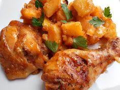 CAIETUL CU RETETE: Pulpe de pui cu cartofi la cuptor Meat Recipes, Chicken Recipes, Healthy Recipes, Good Food, Yummy Food, Romanian Food, Cordon Bleu, Chicken Wings, Poultry