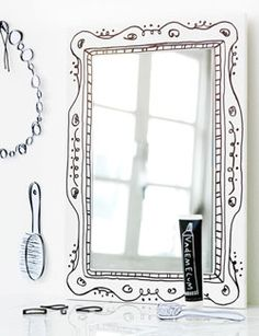 DIY mirror frame made with a sharpie. Would look really cool around the simple mirror in my bathroom.... - 101 Woonideeën