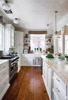 5 Ways to Design a Traditional Kitchen | Old House Restoration, Products & Decorating