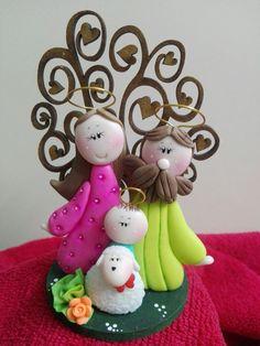 Christmas Time, Christmas Crafts, Christmas Decorations, Christmas Ornaments, Holiday Decor, Navidad Diy, Pasta Flexible, Polymer Clay Crafts, Pine Cones