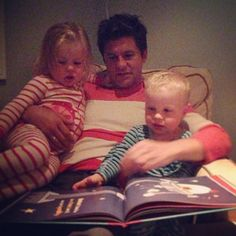 When NPH snapped this photo of David and their kids reading a book together: 27 times in 2013 Niel Patrick Harris' Family was cuter than yours