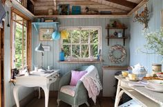 House of Turquoise: This little summer house on the Isle of Wight would make a perfect creative studio