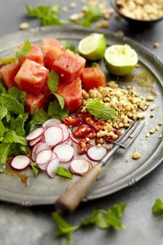 Thai Watermelon Salad (use cashews instead of peanuts? Easy Summer Meals, Summer Recipes, South African Recipes, Asian Recipes, Delicious Vegan Recipes, Healthy Recipes, Healthy Options, Watermelon Tomato Salad, Fusion Food