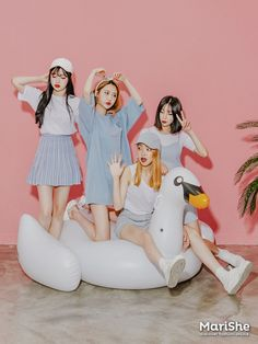 Designer Clothes, Shoes & Bags for Women Tween Fashion, Cute Fashion, Asian Fashion, Fashion Outfits, Mode Ulzzang, Ulzzang Girl, Twin Outfits, Cute Outfits, Yoon Ara