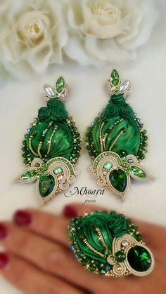 'Emerald Green' by Mhoara Jewels #set #parure #earrings #ring #shiborisilk #soutache #beadembroidery #shiborijewelry #soutachejewelry
