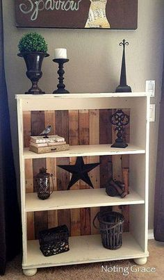 Love the backing of the bookshelf would paint the actual bookcase a different color! DIY Country Decor: Pallet Bookcase Tutorial - DIY Home Decor Repurposed Furniture, Pallet Furniture, Furniture Projects, Furniture Makeover, Home Projects, Painted Furniture, Pallet Projects, Furniture Plans, Refurbished Furniture
