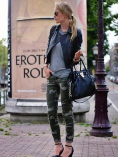 I need camo pants. I want camo pants. I gotta have camo pants. Looks Street Style, Looks Style, Style Me, City Style, Mode Chic, Mode Style, Look Fashion, Womens Fashion, Fashion Trends