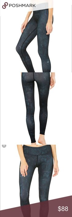 NWT black Indio leggings Alo Yoga leggings in black pattern. No trades ALO Yoga Pants Leggings