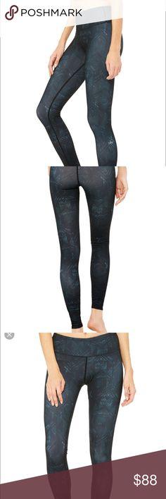 NWT black Indio leggings Alo Yoga leggings in black pattern. No trades ALO Yoga Pants Leggings