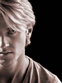 Tom Felton……the handsome gentle man………or Draco Malfoy….the sexy bad … - Modern Dramione, Drarry, Slytherin, Hogwarts, Harry Potter Cast, Harry Potter Universal, Harry Potter World, Tom Felton, Scott Eastwood