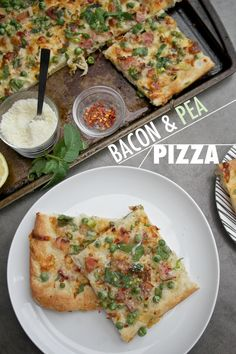 Learn how to bake this bacon and pea pizza for a light lunch.