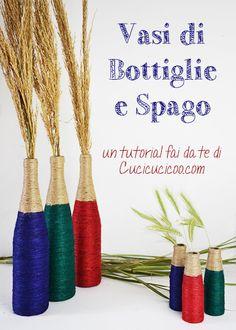 Recupera il vetro per decorare la casa. Questi vasi da bottiglie di vino sono facili da fare con colla e spago, e sono un ottimo regalo fai da te! Tutorial su www.cucicucicoo.com