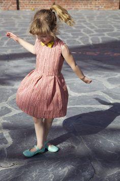 Judith dress: a free pattern for girls (1 – 10yo)! | Compagnie-M