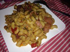 Macroni, sausages and veggies