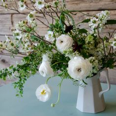 How to Create the Perfect Spring Floral Arrangement - Flower Arranging Tips - Veranda