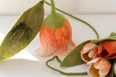 mafiz.de - ulpe gefilzte blume gefilzte tulpe geschenk zum muttertag muttertagsgeschenk geschenk geschenk zum geburtstag hängeblume wohnungsdeko fensterdeko waldorf jahreszeitentisch rosa tulpen rosa tulpe