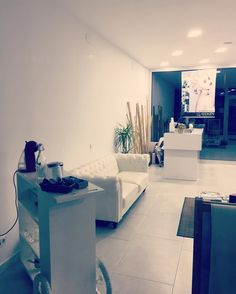 Lugares bonitos  #hairsalon #sitges #barcelona #catalonia #beauty #withe #hair #lounge #chill #chester
