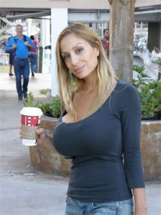 3c9d4117f7c8e302feca33005bd13442  busty drinking coffee » How to locate Beautiful Females For Marriage