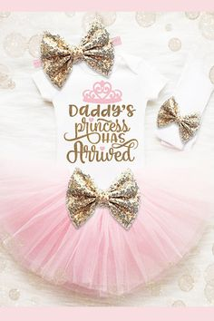 Your baby girl will dazzle in this gorgeous tutu set! It's the most PERFECT outfit for her to wear on her special day and makes an amazing baby shower gift! #ad