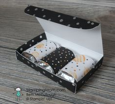 Stampin Up Hershey's Miniatures Box made with the Cookie Cutter Halloween stamp set, designed by demo Beth McCullough. Please see more card and gift ideas at www.StampingMom.com #StampingMom #cute&simple4u