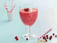Vitamiinipitoinen smoothiejuoma syntyy helposti pakastemarjoista. Juoma sopii myös maidotonta ruokavaliota noudattavalle.
