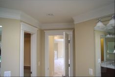 not much space between door and molding...is that usual?