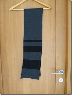 Simple Knitting machine scarf: Pattern Free.