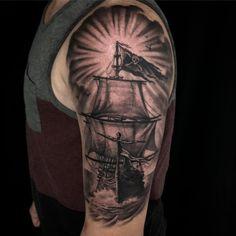 !! #heliostattoo  #painfulpleasures #tattooreleaseformsapp  #spektrahalo2 #spektraedgex #hivecaps #blackandgreytattoo  #tattooartist #tattooartistmagazine #tattooistartmag #ink #inkmaster #inkjunkeyz #tattooist #theblackandgreytattooleague #tattoo_art_worldwide #inkstinctsubmission #tattoosnob #savemyink #featured_ink #inksav #ink_famousart #inked_fx #best_ink_worldwide #longislandtattooartist #skinart_mag #skinartmagsome #libertybell #pirateship