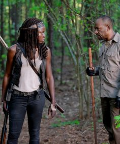 """dailytwdcast: """"Michonne and Morgan in 'The Walking Dead' Season 6 Episode 1 """" Walking Dead Season 6, The Walking Dead 2, Best Tv Series Ever, Friends Cast, No Way Out, Carl Grimes, Stuff And Thangs, Family Album, Film Books"""