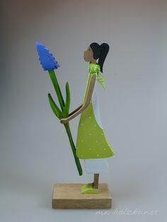 Deko-Objekte - Figur aus Holz - Blumengirl - Hyazinthe - ein Designerstück von mw-holzkunst bei DaWanda