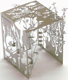 Shula - experiment with different ways of presenting your paper cut story. This paper cut sculpture is by the designer Sam Buxton. Kirigami, Paper Cutting, Diy Paper, Paper Crafts, Paper Engineering, Modelos 3d, Paper Magic, Paper Artwork, Paperclay