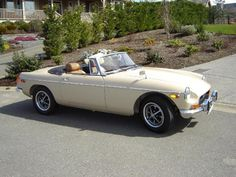 1971 mgb - My first car!  And I want it back!!!