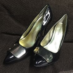 "BCBG BLACK PATENT LEATHER & GOLD BUCKLE PUMPS BCBG GENERATION BLACK PATENT LEATHER PUMPS WITH GOLD PLATED TOES. HEEL MEASURES: 4"" HEEL. IN GOOD  CONDITION BCBGeneration Shoes Heels"