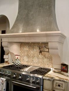 Tabarka Tile Design Ideas, Pictures, Remodel, and Decor Spanish Kitchen, Spanish Tile, Spanish House, Mediterranean Living Rooms, Mediterranean Home Decor, Kitchen Hoods, Kitchen Stove, Kitchen Counters, Kitchen Cabinets