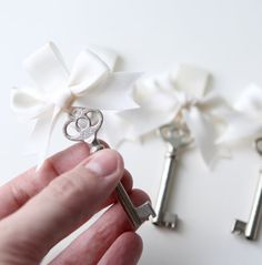 Key boutonniere Groomsmen Wedding men groom Vintage by whichgoose Wedding Prep, Wedding Bells, Wedding Stuff, Wedding Dreams, Dream Wedding, Wedding Day, Wedding Tokens, Vintage Groom, Vintage Keys
