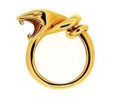 Spannend ontwerp van Boucheron! Deze ring in de vorm van een slang en van 18 kt. geelgoud gemaakt.  | ringen | gouden ring | golden rings | golden rings design | vintage rings | trouw ring | trouw ringen goud | verlovingsring goud | sieraden amsterdam | #spiegelgrachtjuweliers SpiegelgrachtJuweliers.com #ring #rings Vintage Gold Rings, Vintage Jewelry, Silver Rings, Snake Ring, Silver Engagement Rings, Luxury Watches, Jewels, Collection, Antiques