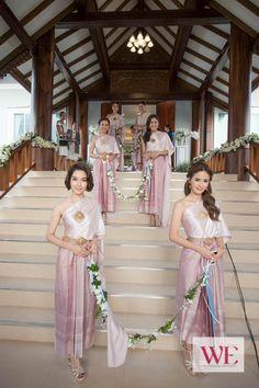 _MG_1348 Laos Wedding, Cambodian Wedding, Khmer Wedding, Thai Dress, Traditional Wedding Dresses, Wedding Pinterest, Dream Wedding, Wedding Stuff, Family Traditions