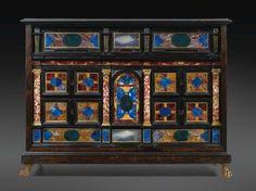 89 placage d'ébène, marqueterie de pierres dures et bronze doré, Travail romain, XVIIe