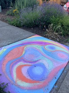 What to do when you get new chalk and want to use up all the old nubs Sidewalk Chalk, Chalk Art, Beach Mat, Outdoor Blanket, Old Things, Sidewalk Chalk Paint