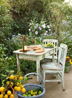 Flowers infuse your table with fragrance and color that will have you both smiling from the start ;))