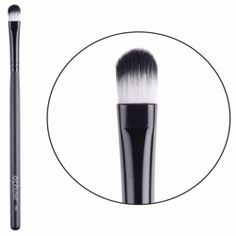 Sweep That Crease Crease Brush Eye shadow trapped? Deep makeup lines created? Sweep that Crease with the Phuse™ crease brush. The round and tapered bristles are not too hard and not too soft, but just right to feather the out the color evenly and wipe away those pesky lines. When in doubt, Sweep that Crease out.